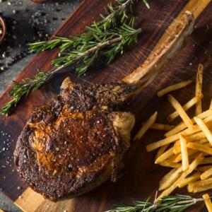 Aldens Meatmaster Tomahawk Steak cooked